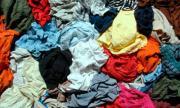 Сдать старую одежду в Колпино
